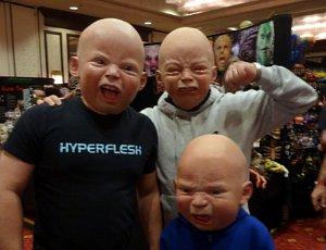 Посетители Маскфеста. Фото со страницы автора масок в Фейсбуке