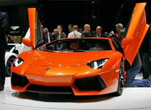 Прототип игрушки - суперкар Lamborghini Aventador