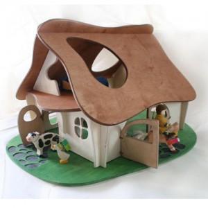 Wooden Dollhouse - маленький домик
