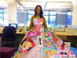 Фото из примерочной Барби с сайта http://barbiethedreamcloset.com