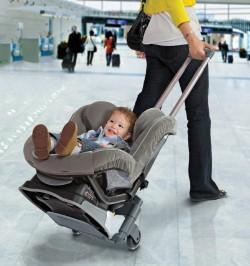 Тележка для автокресла Brica пригодится в аэропорту