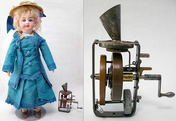Первая в истории говорящая кукла. Фото с сайта edisontinfoil.com