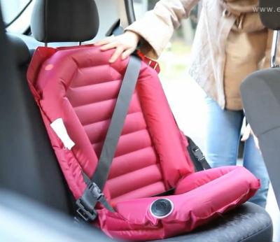 Надувное автокресло Easy Car Seat. Кадр из ролика