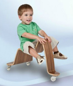 Ребенок на каталке Creativity Cruiser. Фото с сайта svan.com